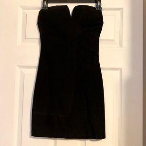 🍏Body Central black small strapless mini dress